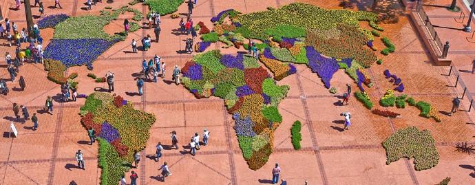 Kolorowy świat na Pioneer Courthouse Square, centralnym placu Portland © thesquarepdx.org
