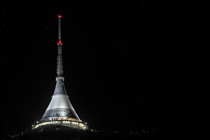 Na nocne oświetlenie wieży zrzucili się mieszkańcy Liberca © Jan Bendl