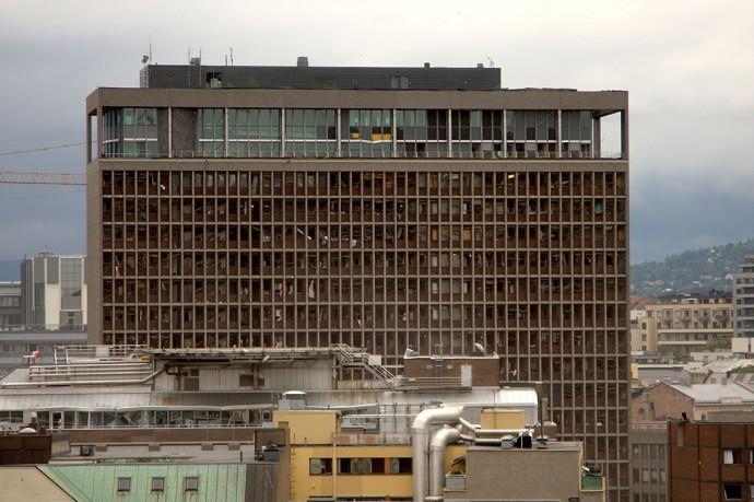 Zniszczona w wyniku eksplozji Kancelaria Premiera © Johannes Grødem