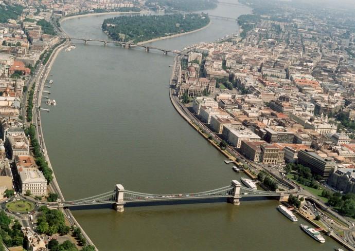 U dołu pierwszy, wyżej most i wyspa Małgorzaty ©  Civertan Grafikai Stúdió