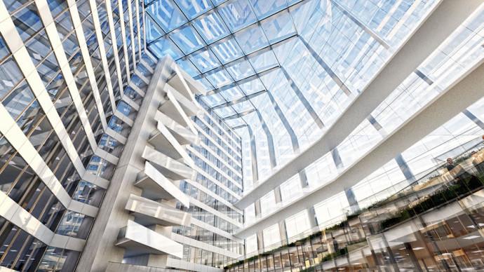 Wewnątrz atrium panuje precyzyjnie regulowany mikroklimat © OVG