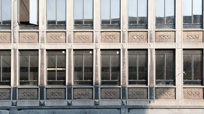 Masywna rytmiczna fasada siedziby miejskich inżynierów © wederopbouwrotterdam.nl