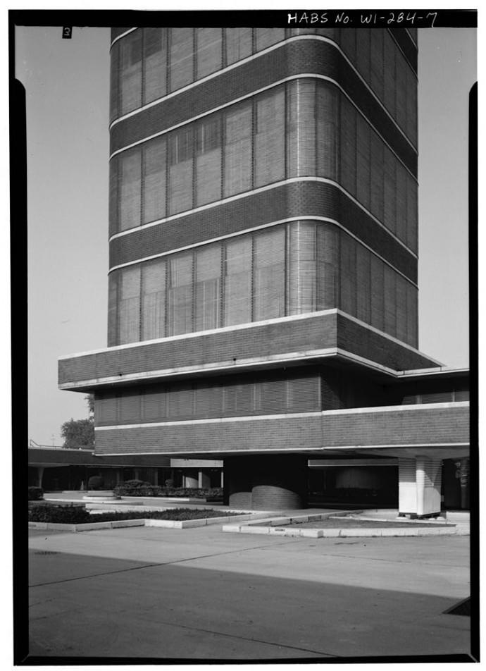 Laboratorium osadzone na żelbetowych nogach © Jack E. Boucher, Biblioteka Kongresu