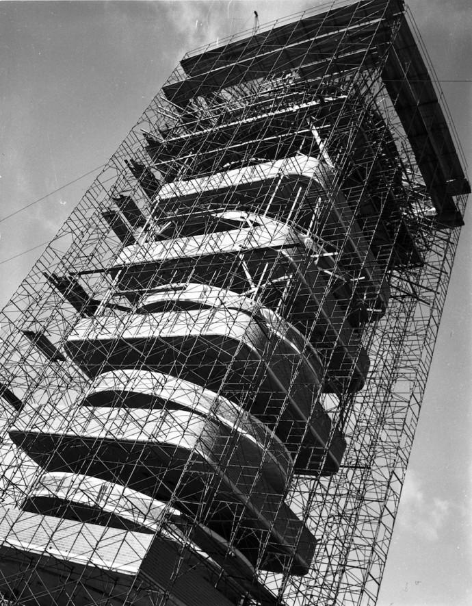 Konstrukcja wieży w 1949 roku © SC Johnson