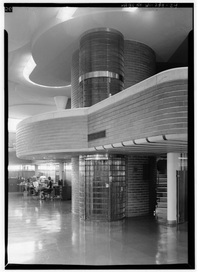 """Szyb windy przezywany """"klatką dla ptaków"""" © Jack E. Boucher, Biblioteka Kongresu"""
