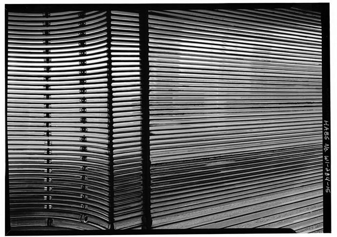 Elewacja wieży wykonana z rurek ze szkła pyreksowego © Jack E. Boucher, Biblioteka Kongresu