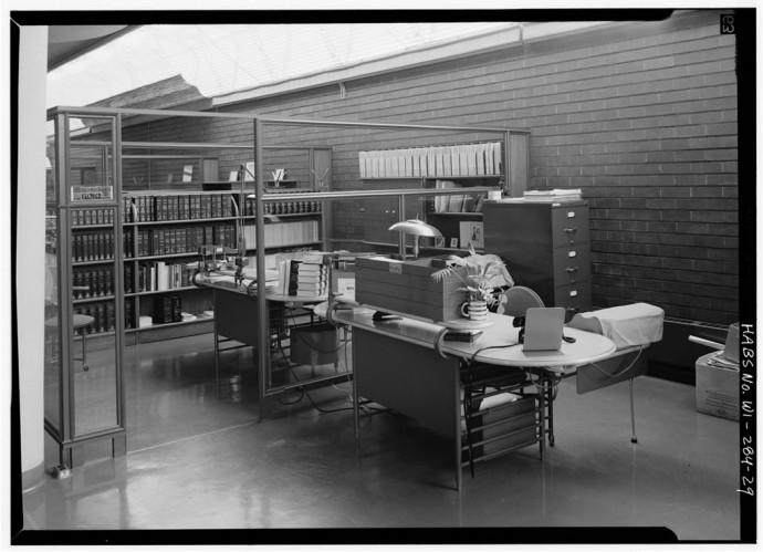 Jeden z gabinetów kierowniczych na galerii © Jack E. Boucher, Biblioteka Kongresu