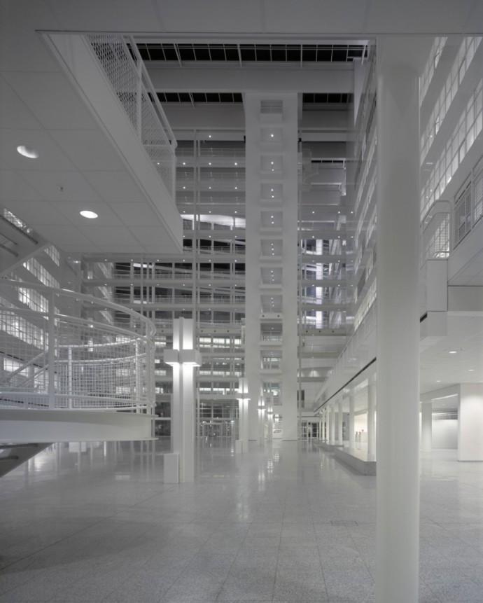 Nocny odcień bieli © Richard Meier & Partners Architects LLP