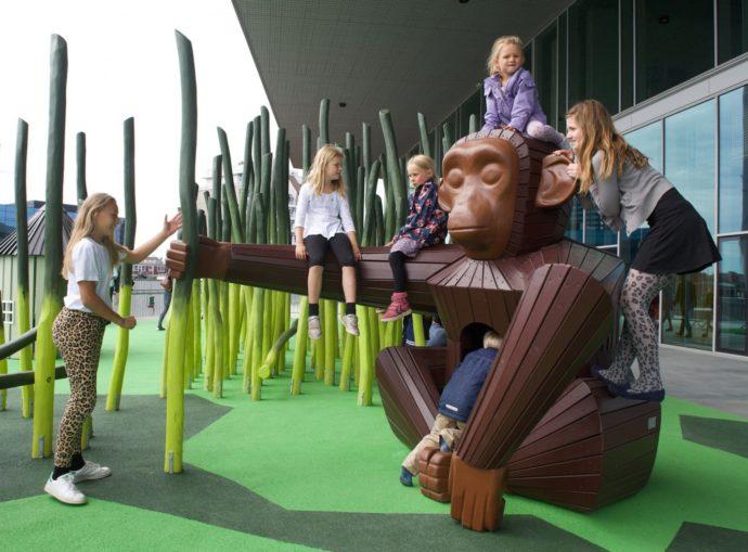 Małpi gaj wykonany przez firmę Monstrum © monstrum.dk