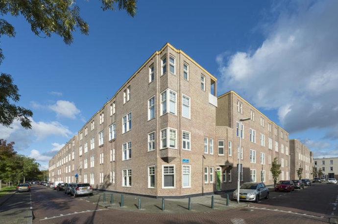 Odnowiona fasada kompleksu © Molenaar & Co architecten / Bas Kooij