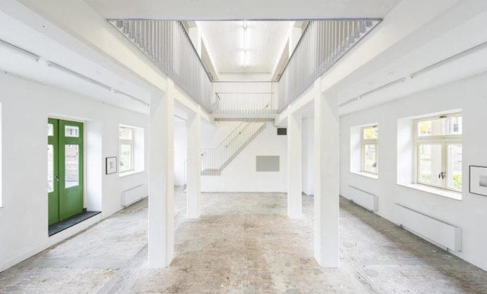 Dawna łaźnia przerobiona na hol recepcyjny © Molenaar & Co architecten / Bas Kooij