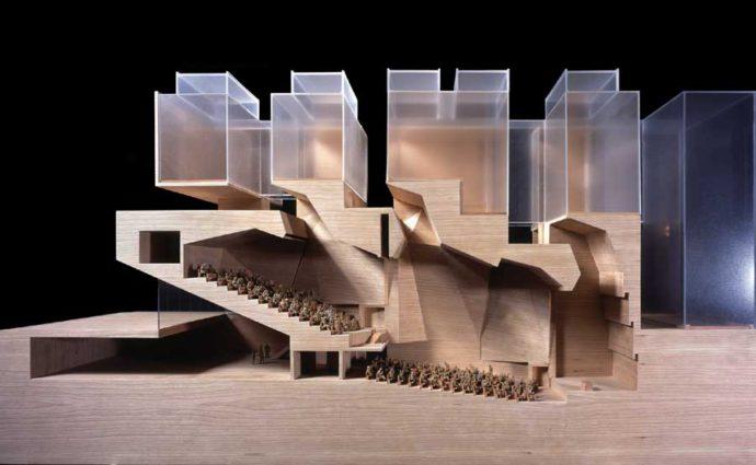Przekrój przez budynek uniwersytetu w Mediolanie projektu irlandzkiego biura © Grafton Architects