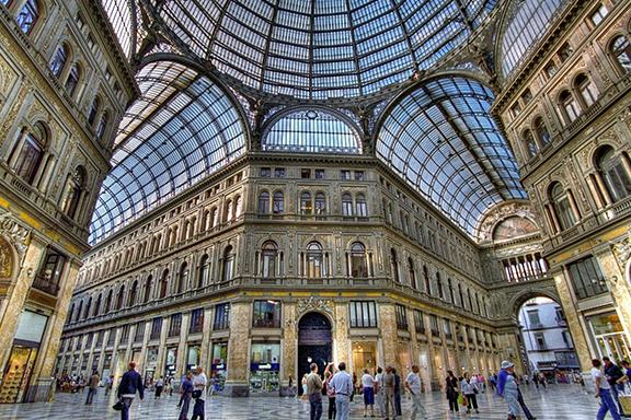 Dolce vita di Napoli