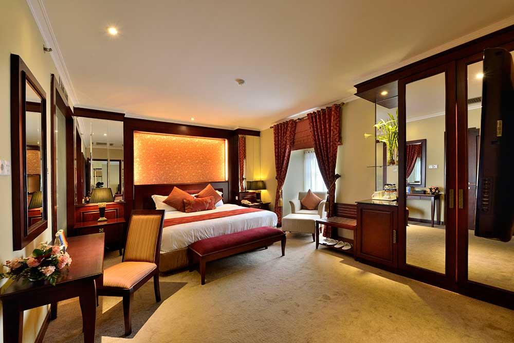 HDS Royal Suite
