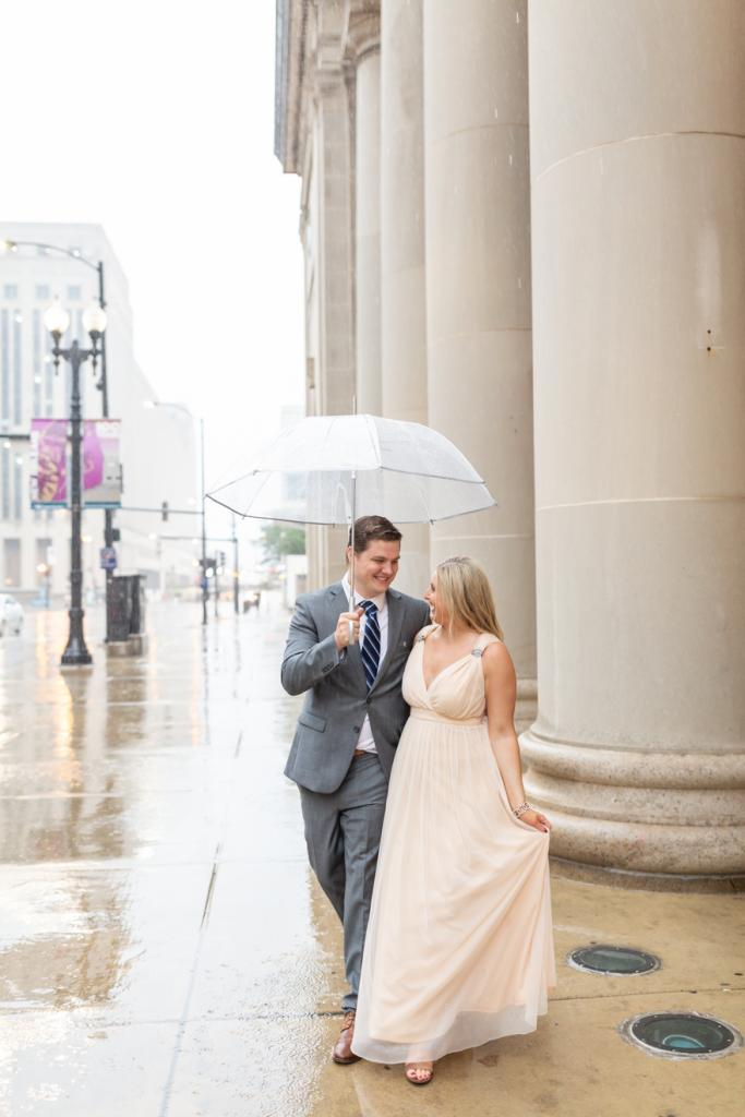 Engagement photoshoot on rainy day in Chicago