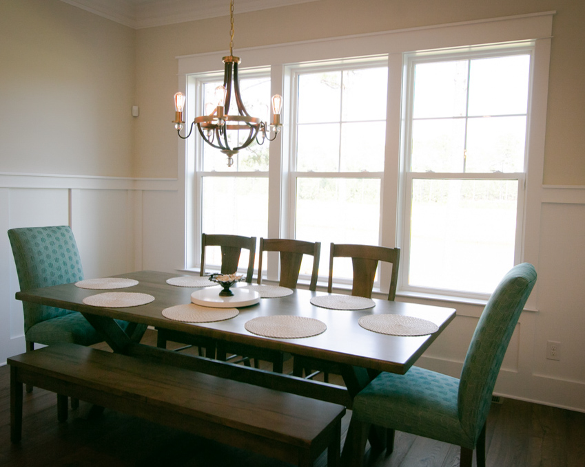 dining room in new golf course homes