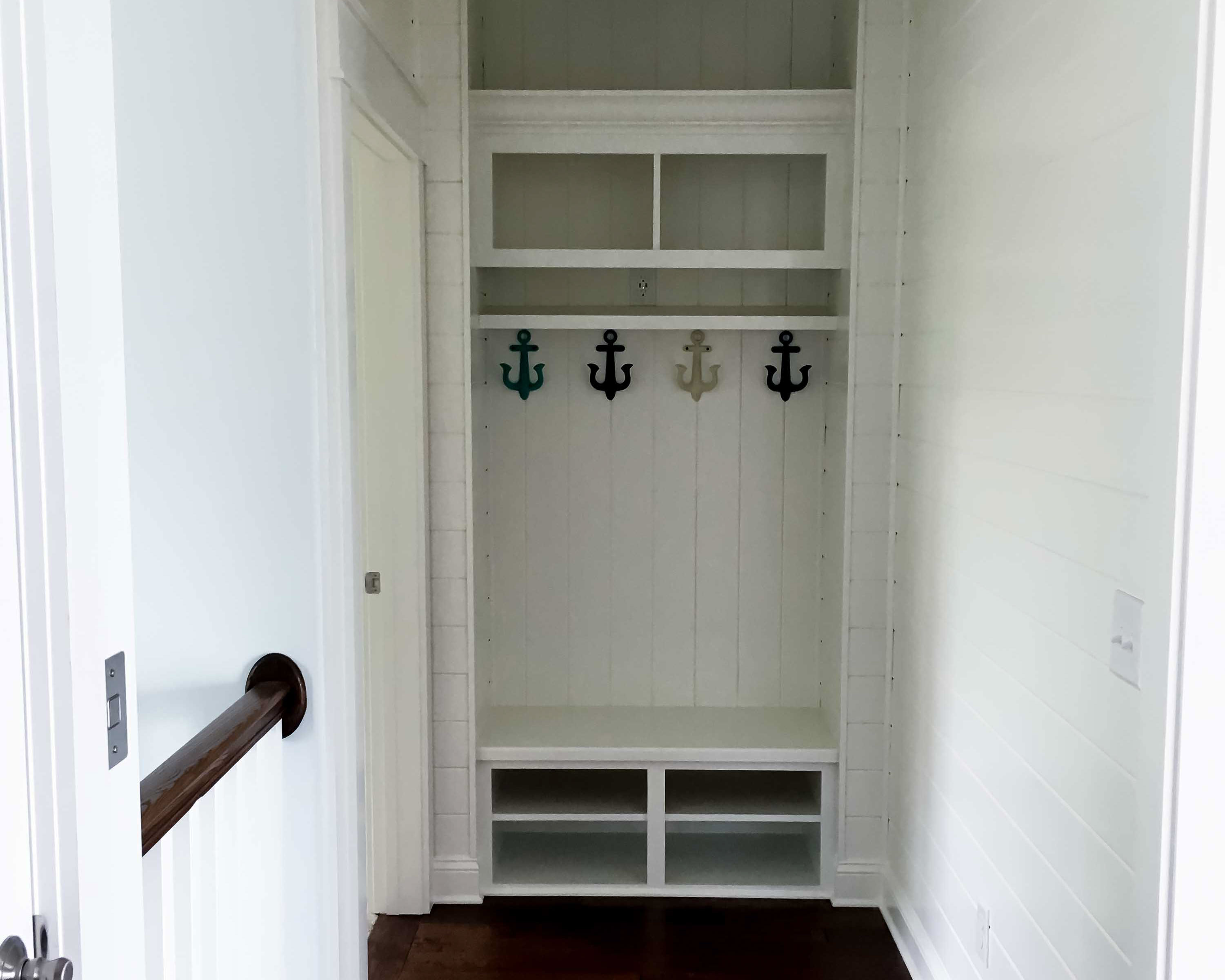 nautical details in beach home entryway