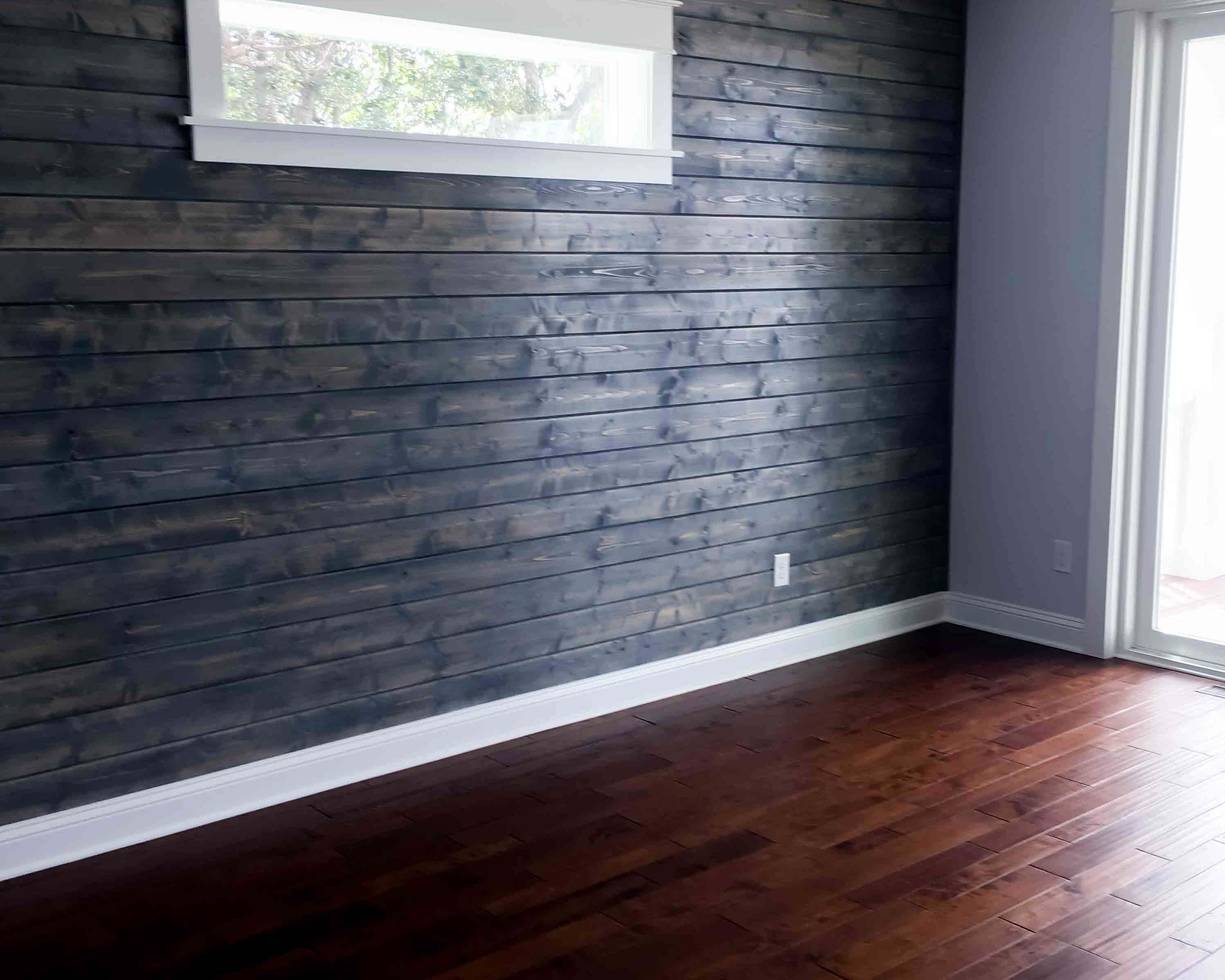 unique reclaimed wood wall in bedroom