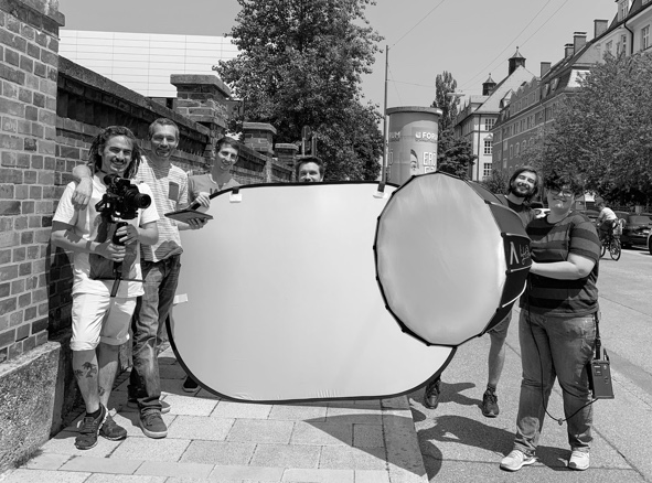 Gruppenfoto beim Videodreh Biz Factory