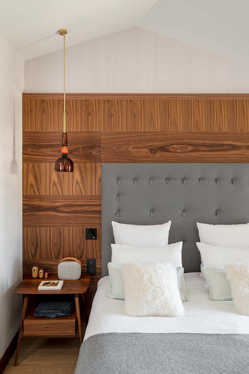 Superior Room - Grey headboard and brushed walnut panel