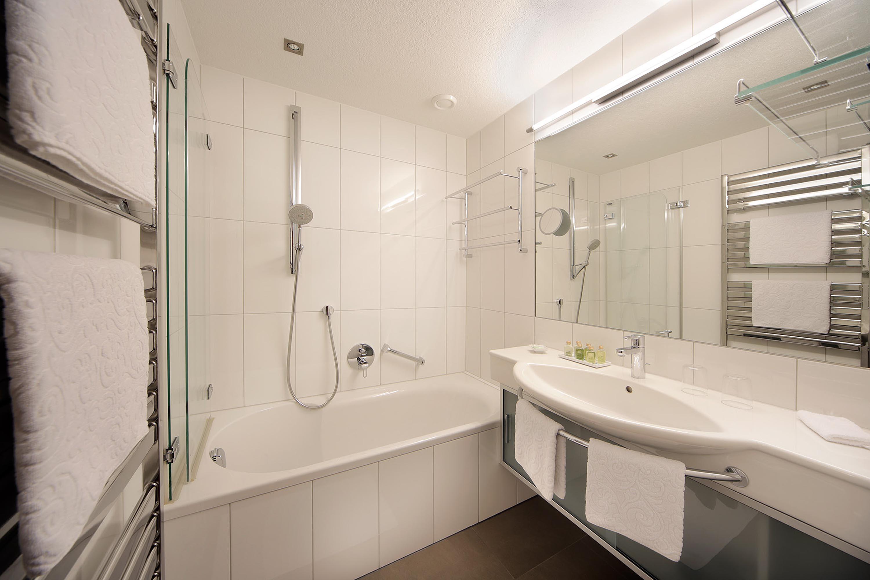Modern bath rooms