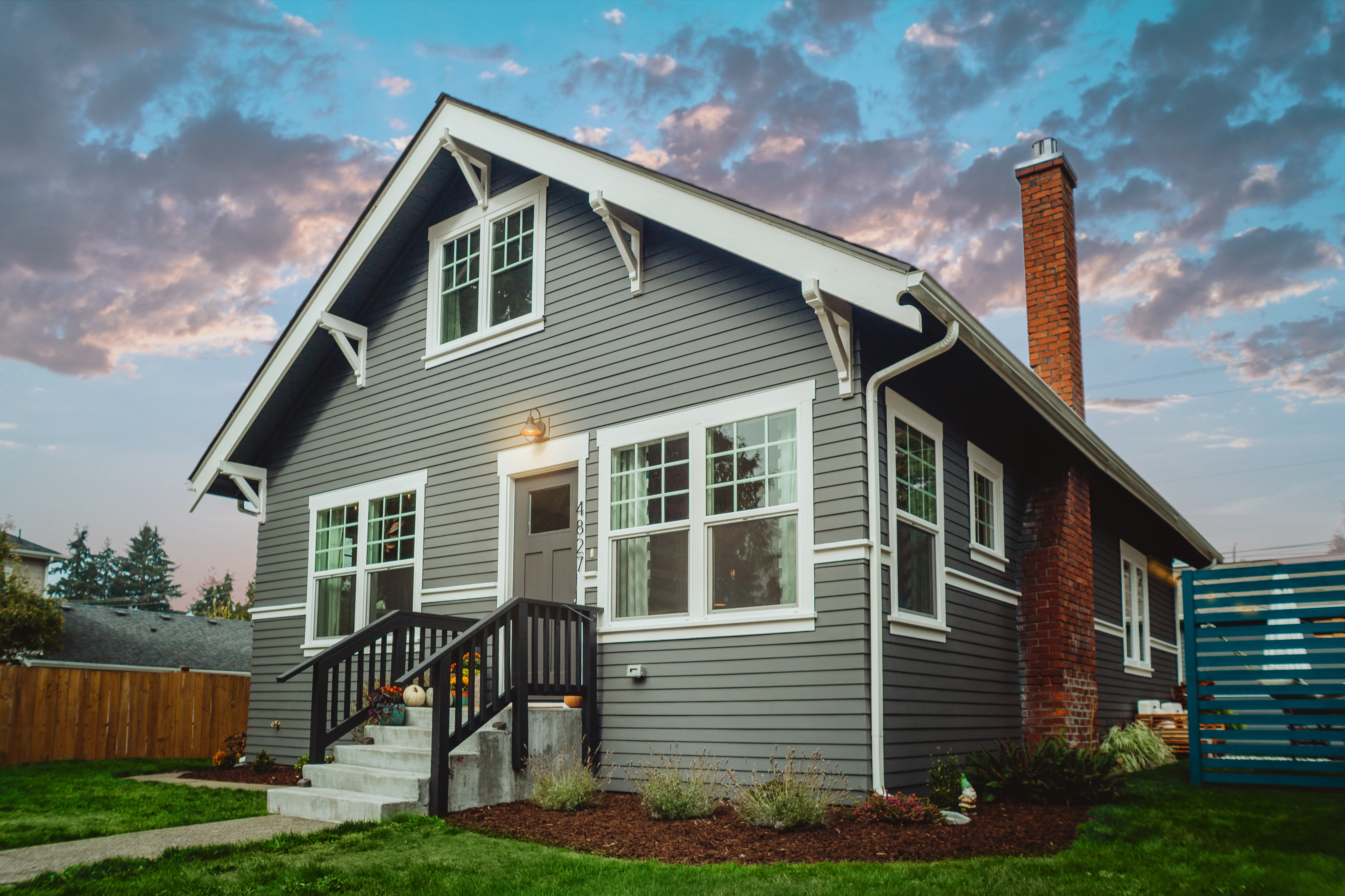 What costs are involved in flipping houses?