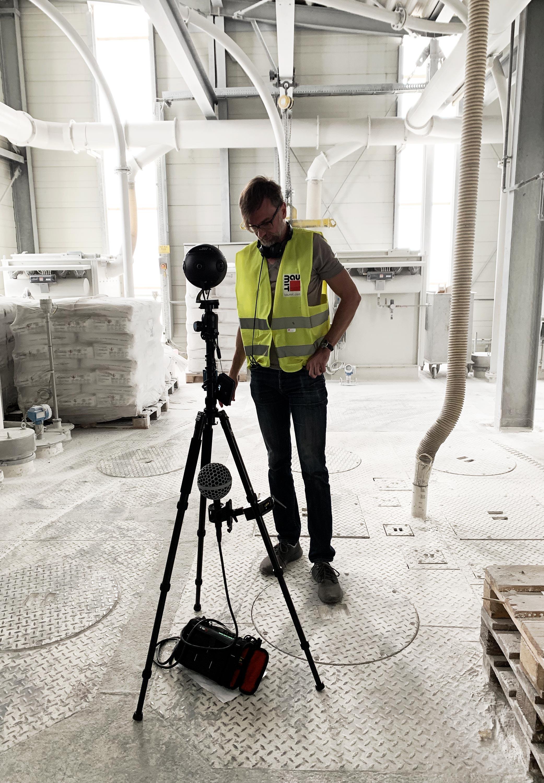 VR camera operator next to Insta360 Titan cinematic VR camera