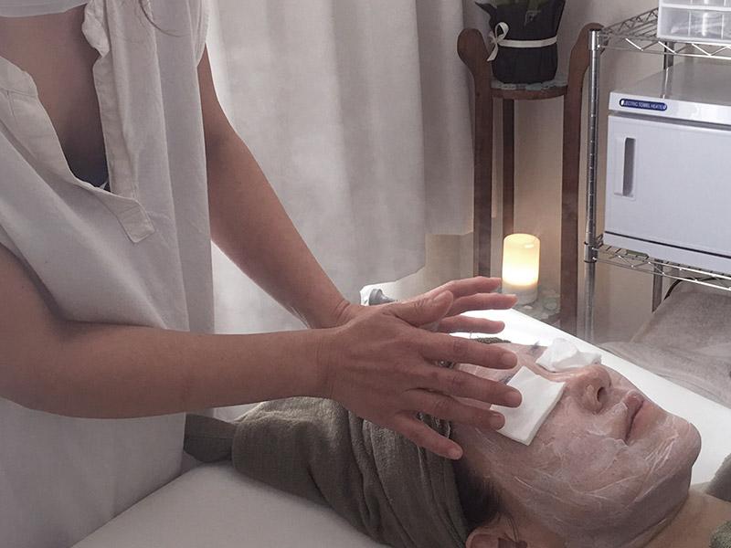 Facial Treatments and Fumi Massage