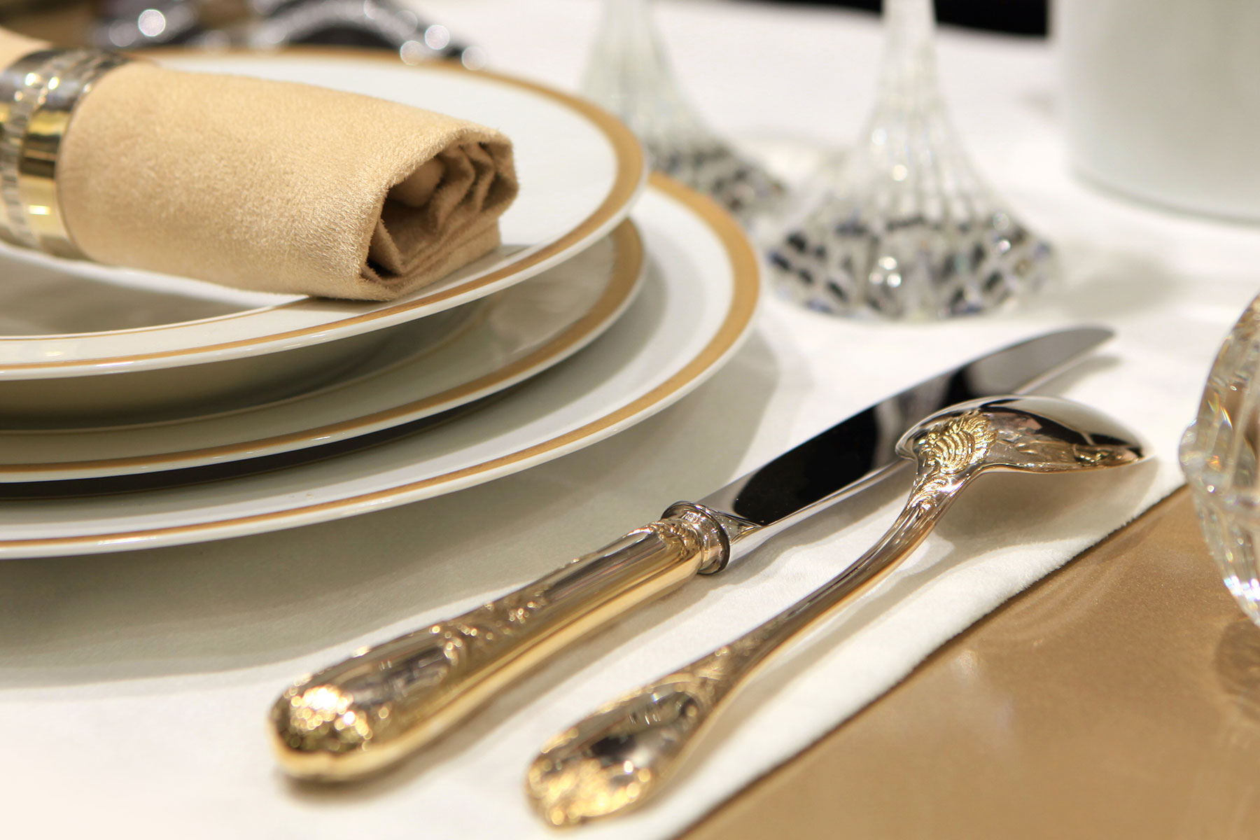 custom gold silverware white linen service dahlgren duck
