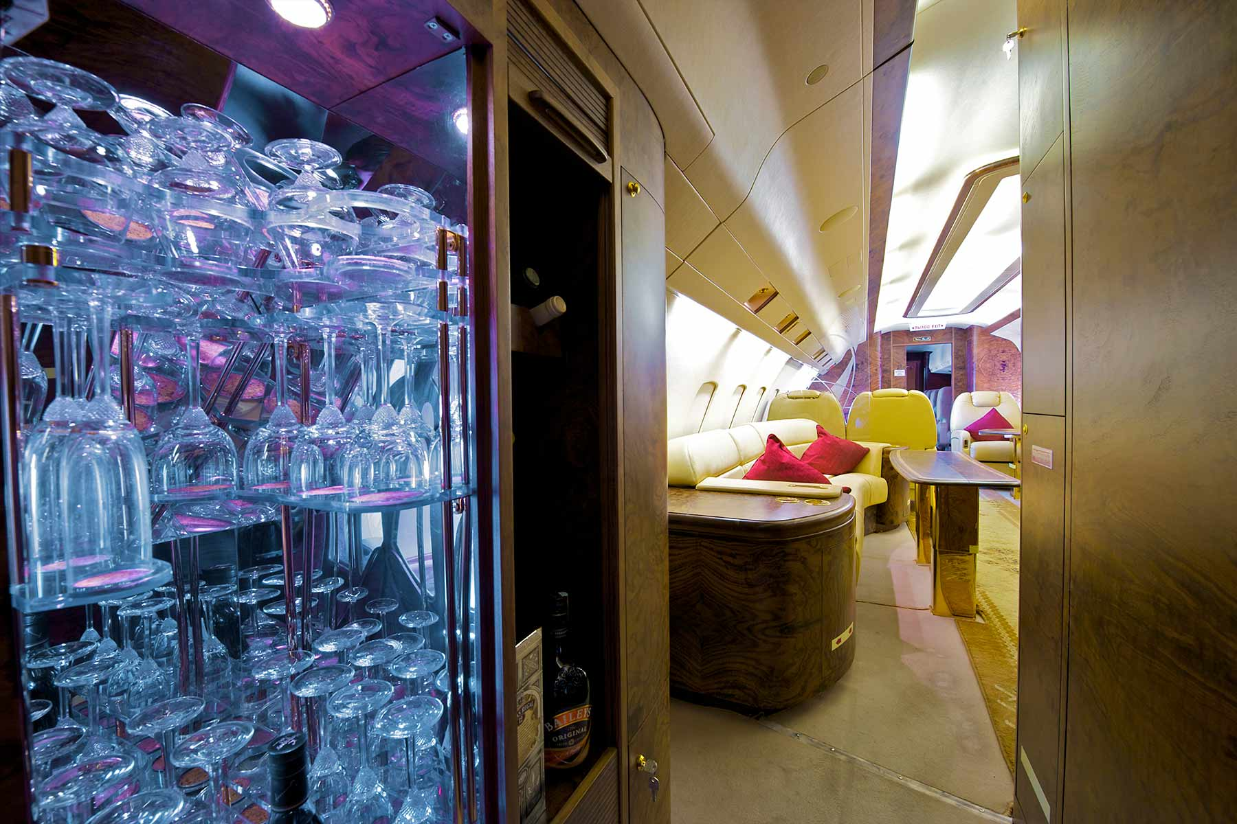 The bar in a gulfstream private jet