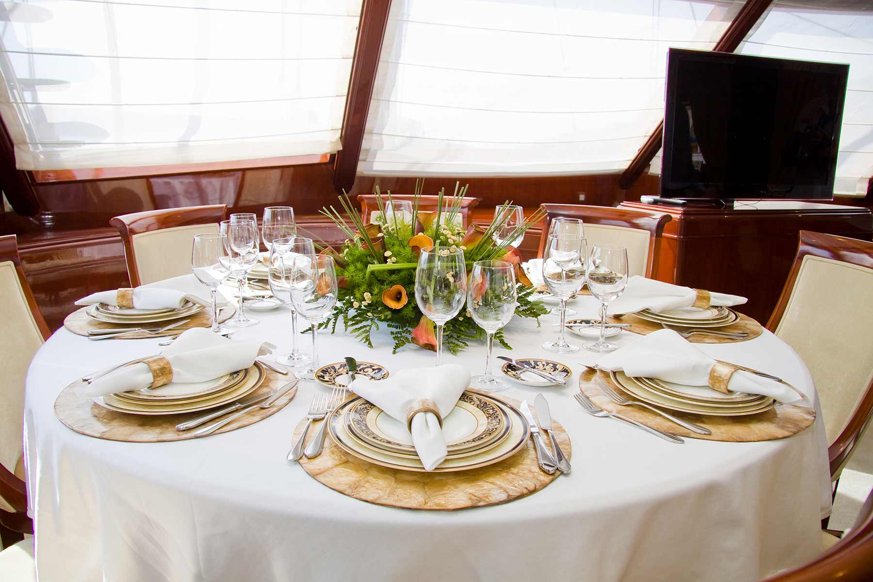 Bespoke dining service private luxury super yacht