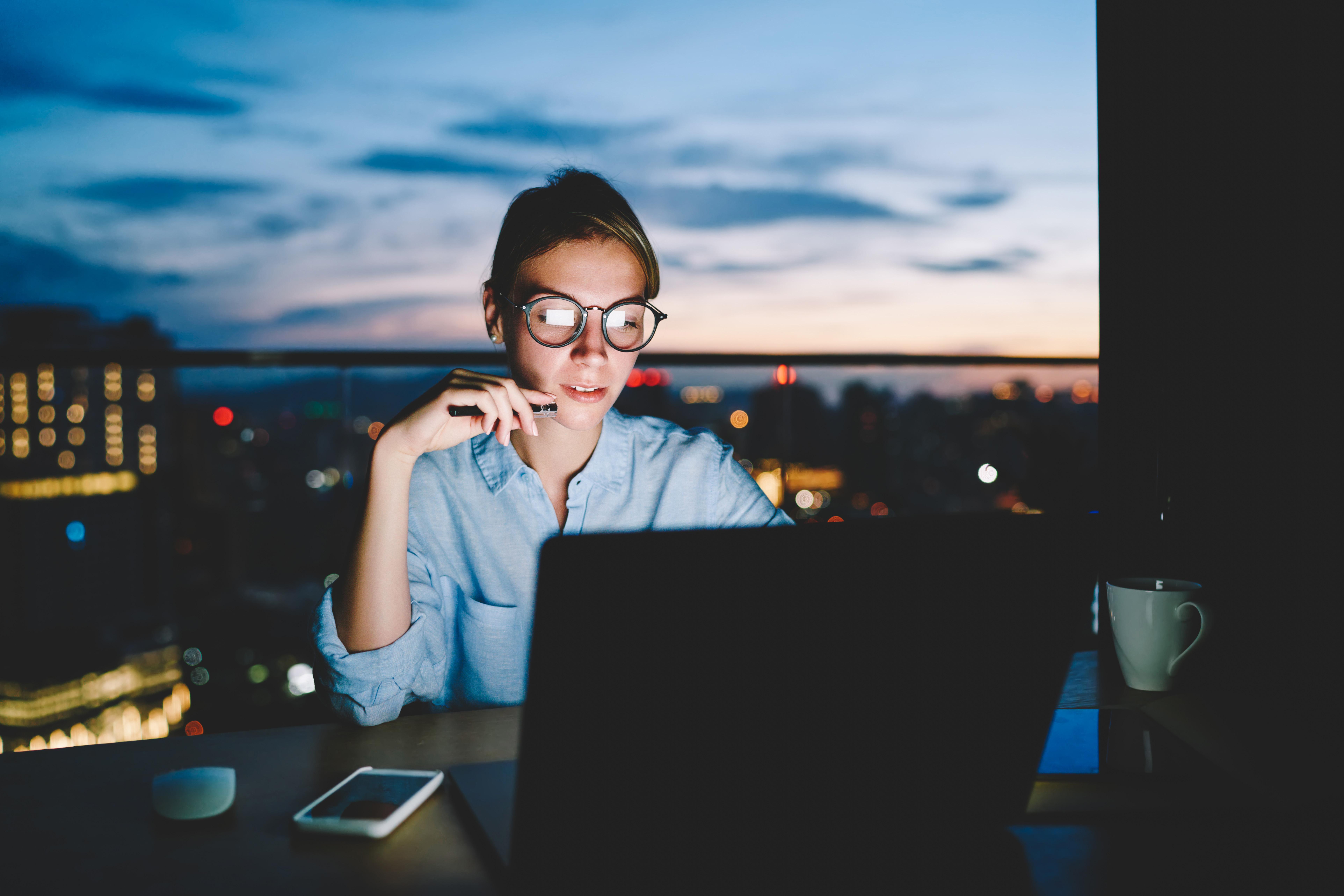Como Lidar com Atrasos no Trabalho? Tolerância, CLT e Dicas Práticas