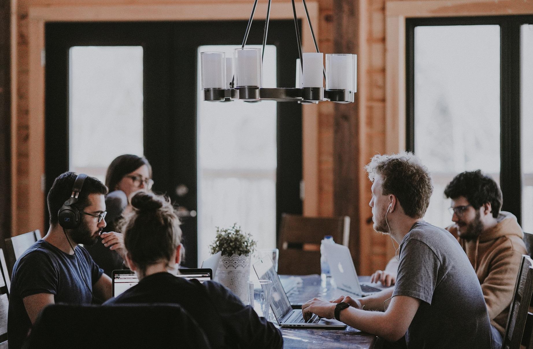 Por que colaboradores com experiências positivas se tornam mais engajados?