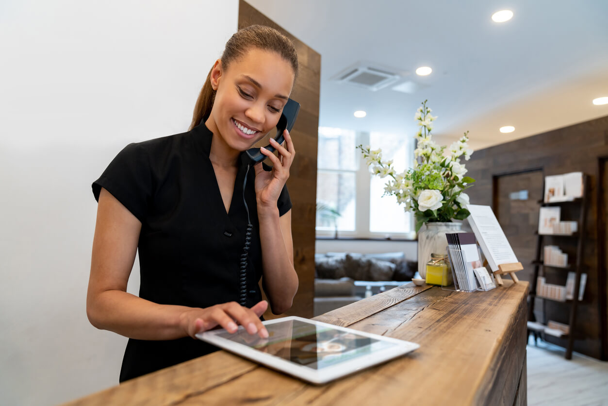 The Best Receptionist Software and Equipment to Boost Efficiency