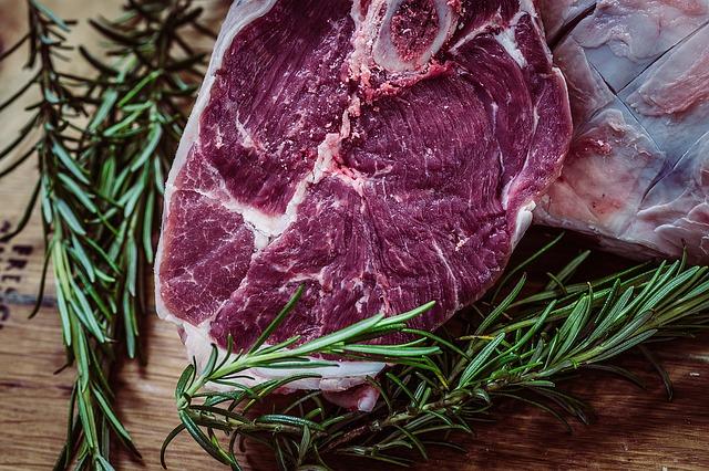 bistecca di bovino in primo piano