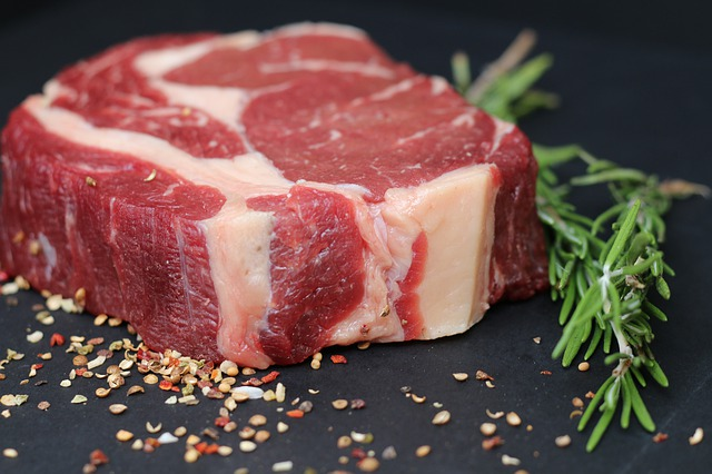 bistecca di manzo in primo piano