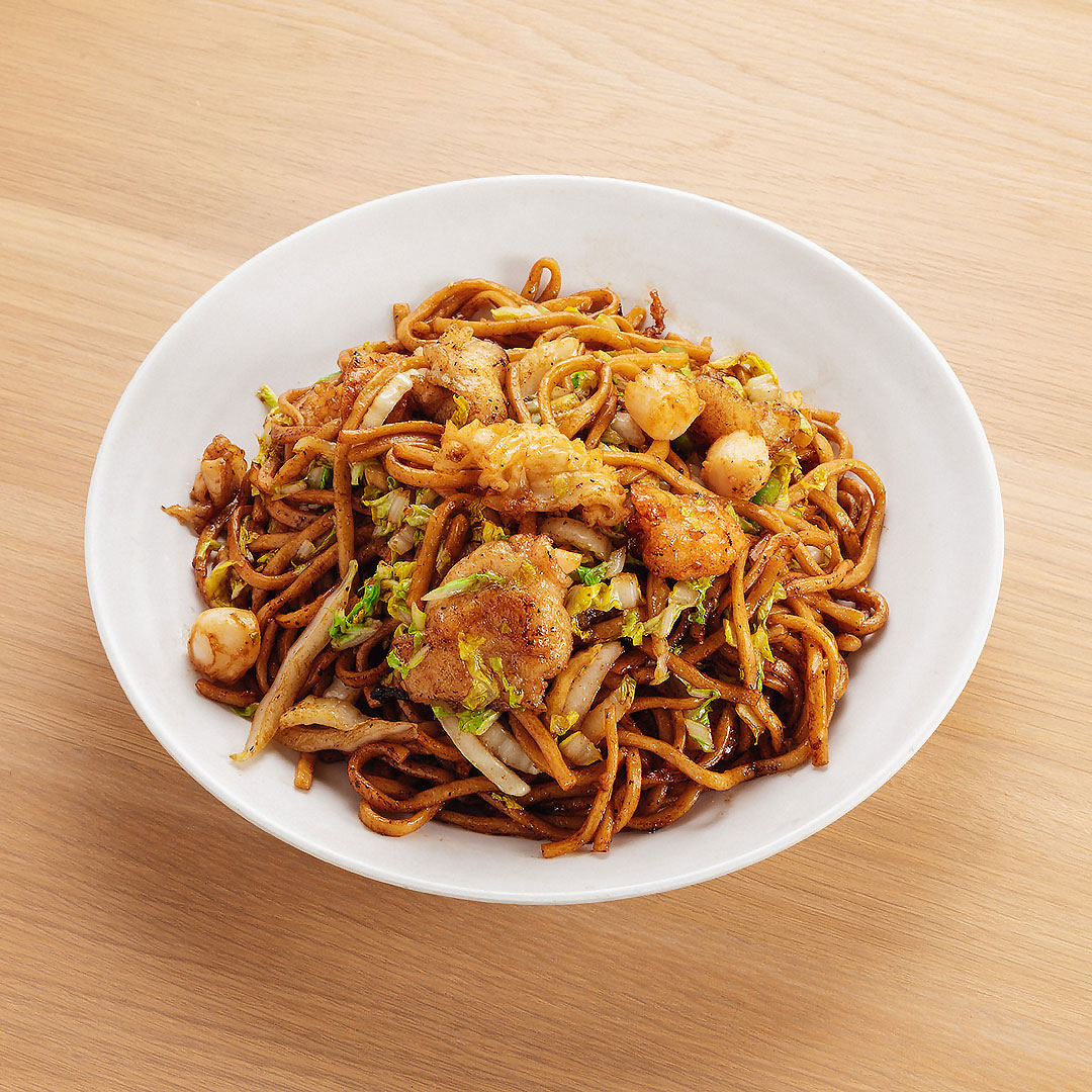 Seafood Chow Mein w/ Black Pepper Sauce