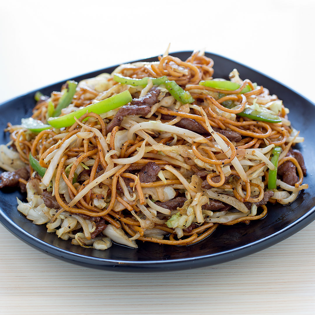 Beef Chow Mein w/ Black Pepper Sauce