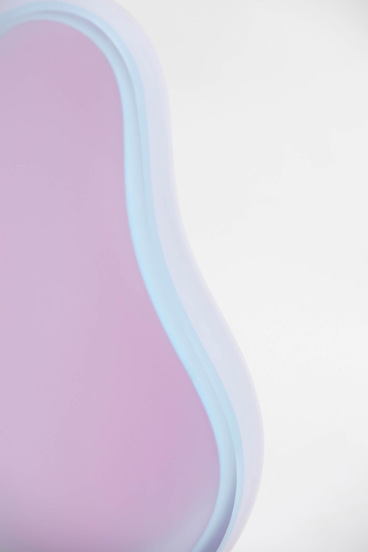 photograph Cæciliie Philipa Vibe Pedersen, Bleu rose et opaline, glass craft, Jonas Noël Niedermann, Modular Shapes, Floating Lines, Nov Gallery, Swiss Design, Swiss Craft, Hochparterre, Architecture, Glass art society, KADK