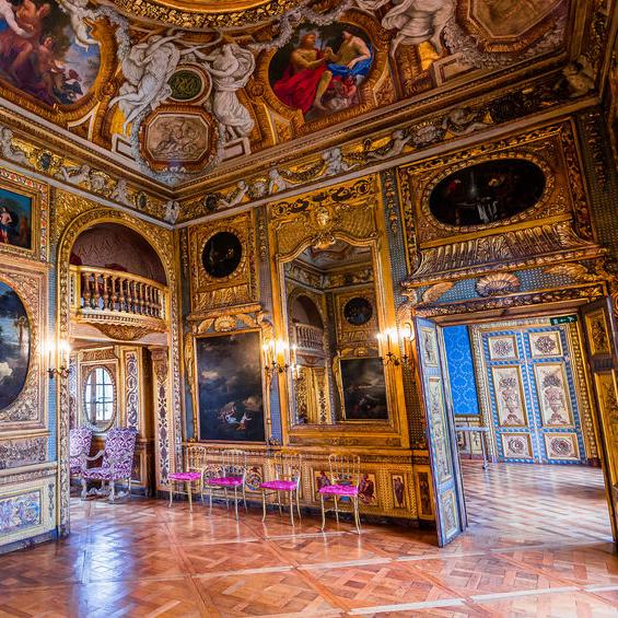 ÃŽle Saint Louis private palace visit