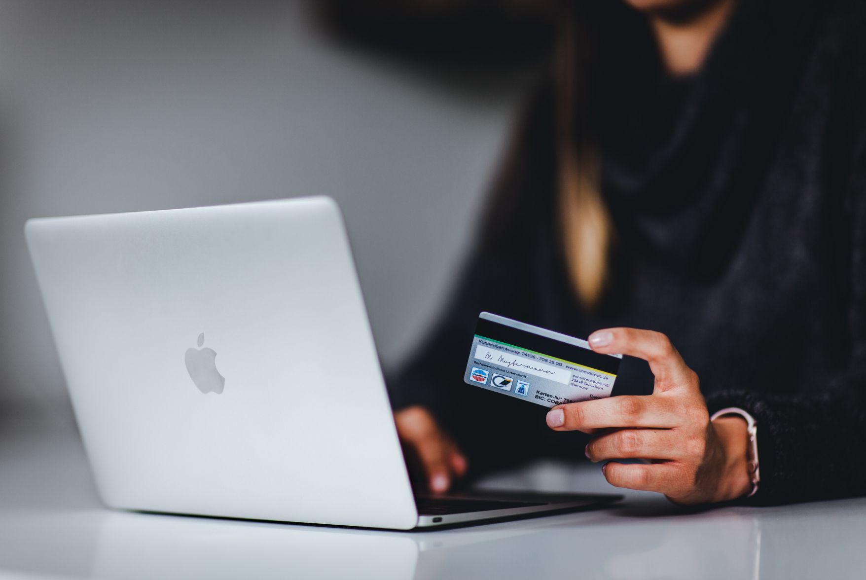 Woman doing an online payment