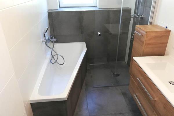 Walk In Dusche und Badewanne