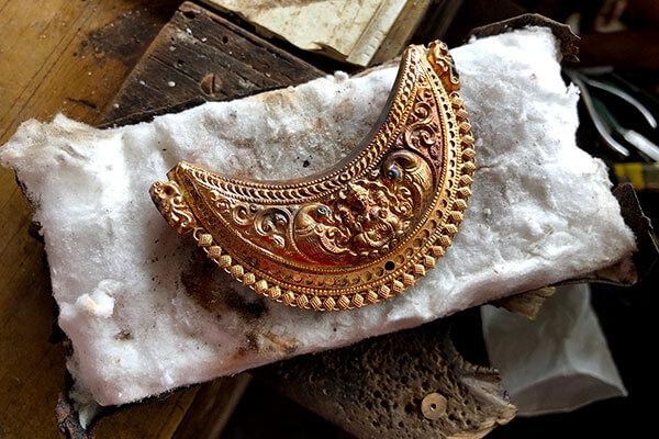 Kokkethathi pendant