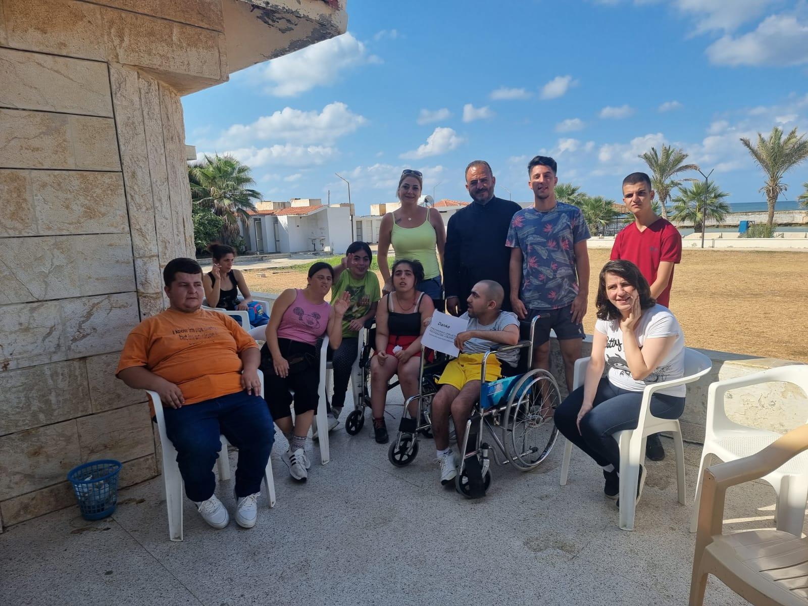 Behinderte Kinder in Syrien erholen sich mit Unterstützung der IGOC am Meer