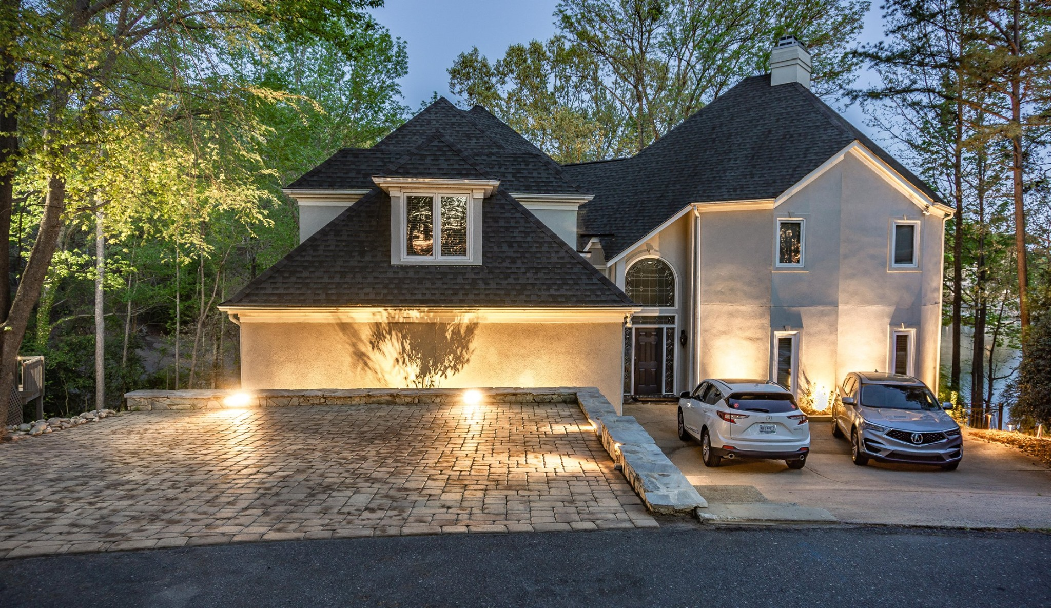 Neighborhood & Commercial Outdoor Lighting In Charlotte