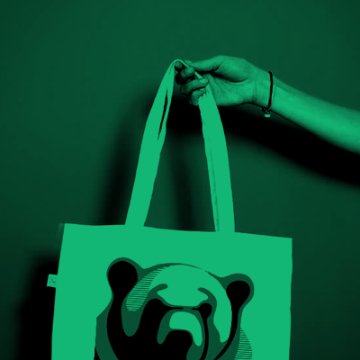 A tote bag to raise awareness about the impact of man on animals species everywhere