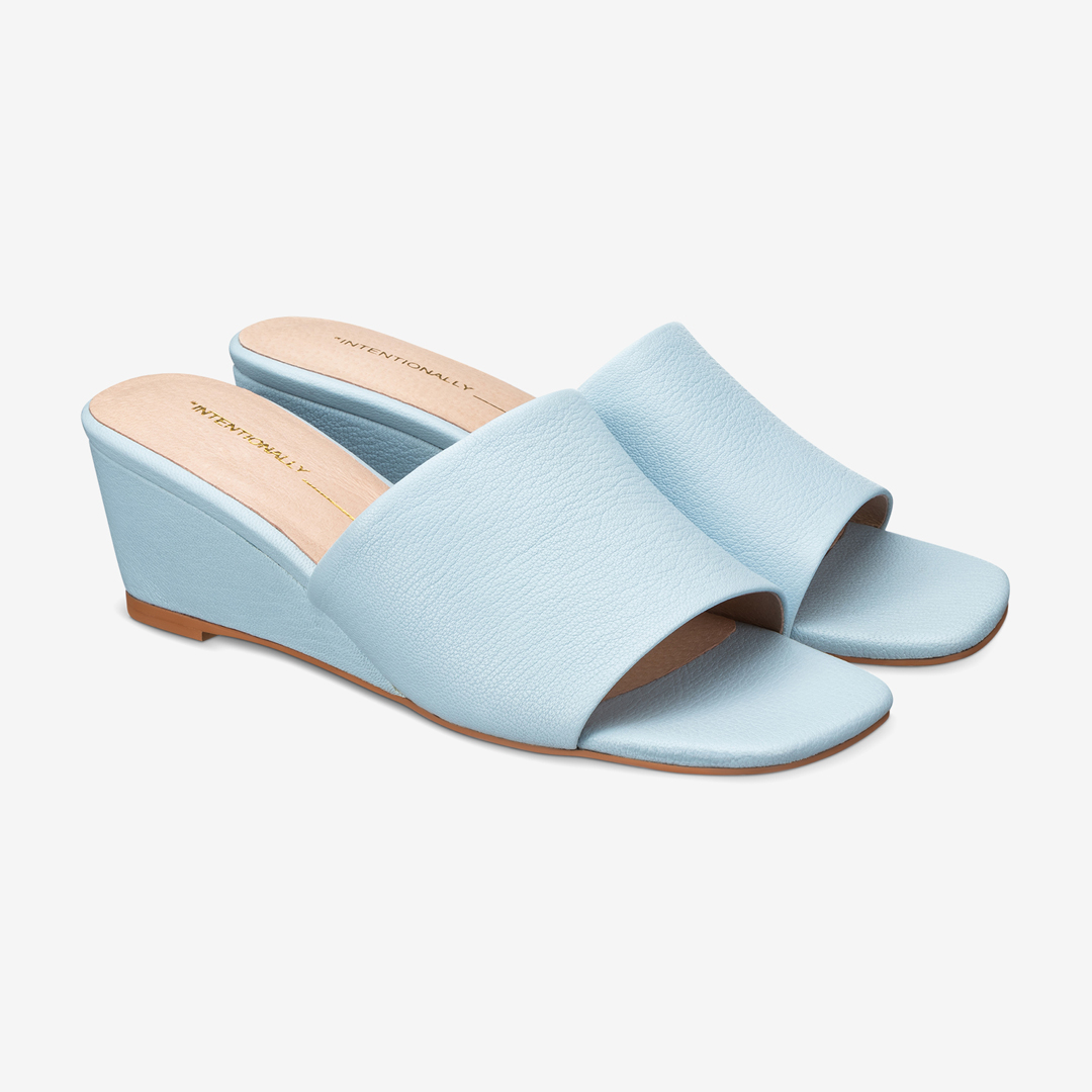 Intentionallyblank effortless demi-wedge slide