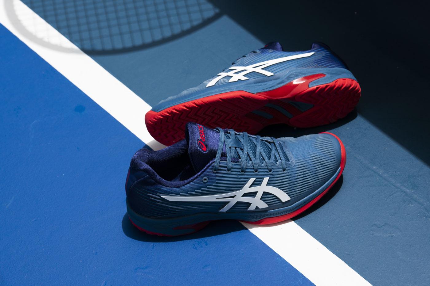 ASICS 运动鞋