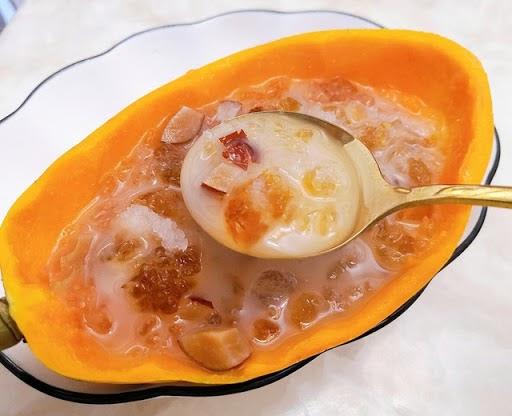 桃胶雪燕皂角米炖木瓜