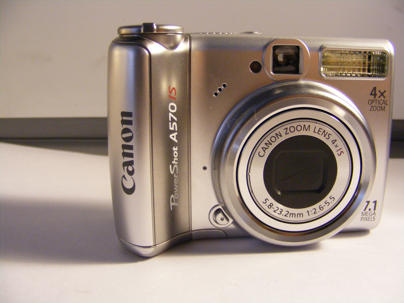 Canon A570 IS